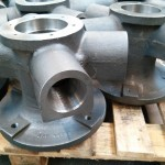 Central bearing housing for the heat exchanger and industrial radiator industry